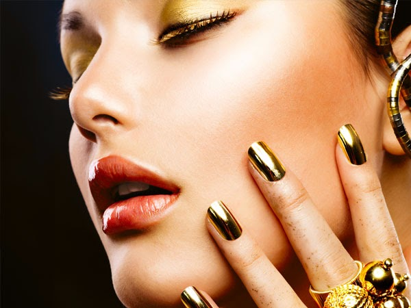 Gold Is Commonly Considered As A Perfect Choice Of Nail Polish Colours For Dark Skin Remember To Use Light Golden Shade If You Have Dusky Or